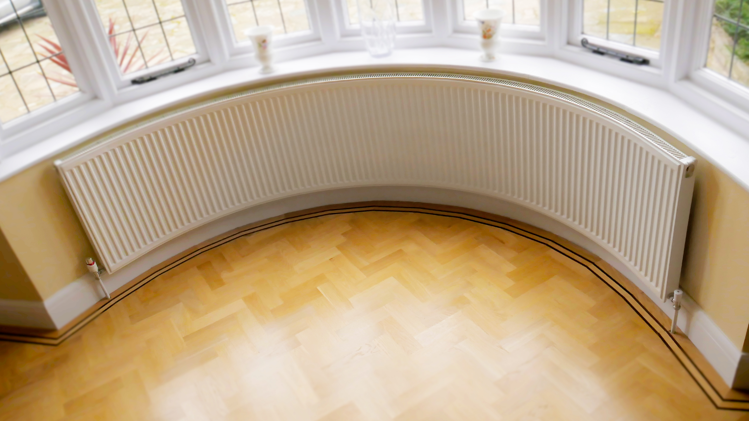 A Range Of Curved Radiators Custom Designed To Fit Your Specific Bay Window Dimensions Bending Radiator For Bay Window Curved Radiator